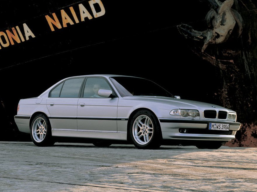 BMW 7 серии E38
