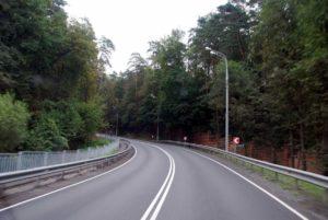 Рублёво-Успенское шоссе А106 (также — «Рублёвка», в прошлом — Звенигородский тракт, Царская дорога, дорога царей богоизбранных)